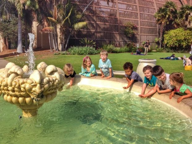 kids at the fountain