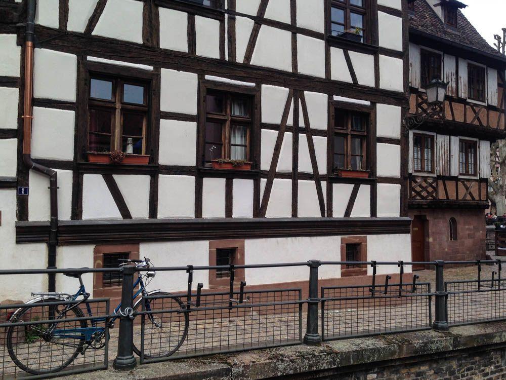 blue bike in strasbourg