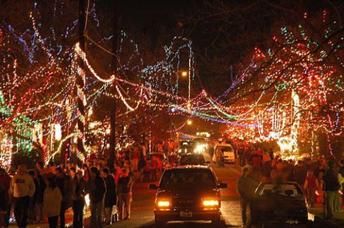37th Street Austin Christmas lights